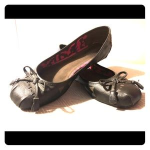 Tom's Leather Ballet Flats